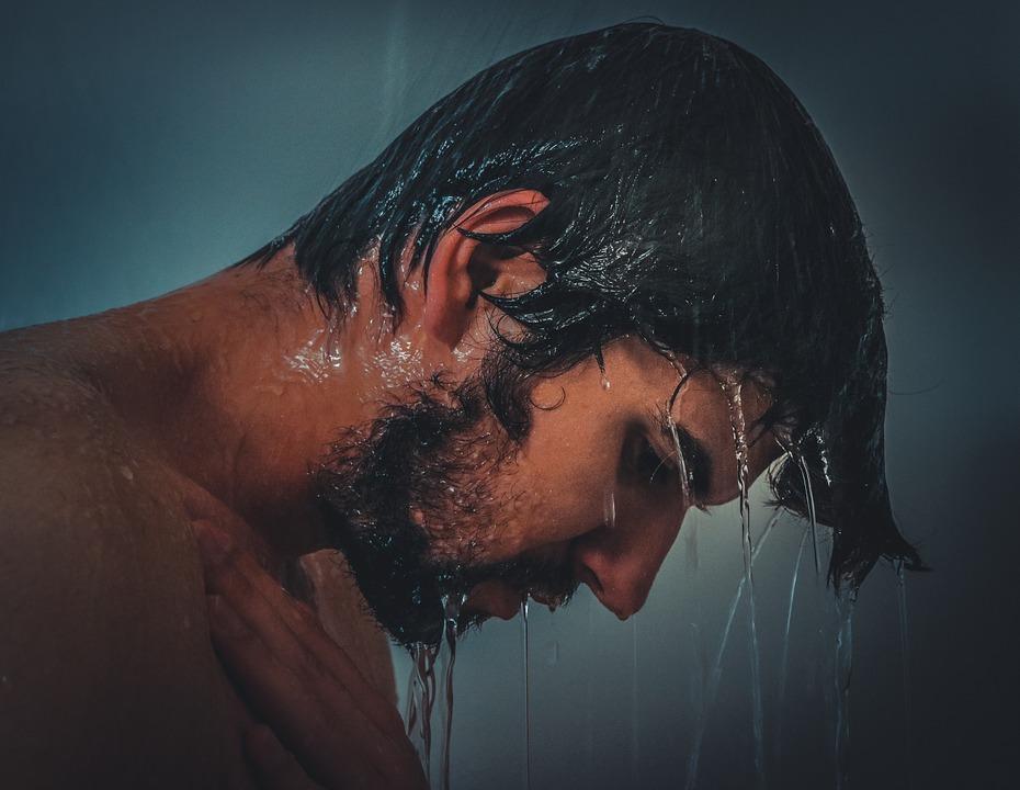 ALUSEB® Shampoo Doccia: detergente efficace per la Dermatite Seborroica